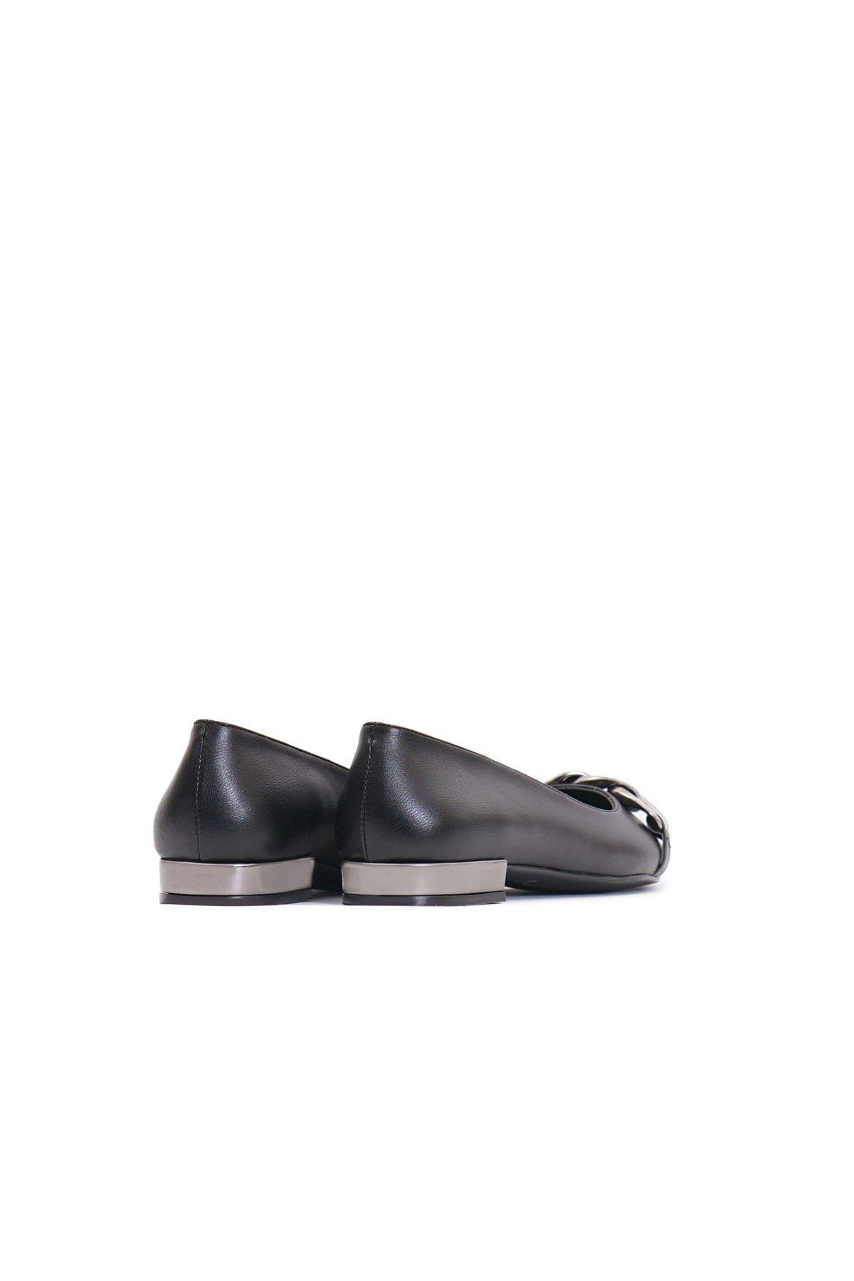 Kadın Zincir Detaylı Loafer Ayakkabı - Siyah