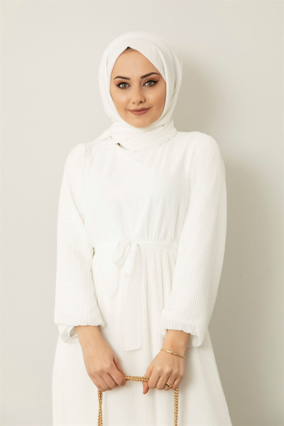 Kol ve Eteği Pileli Elbise - Beyaz