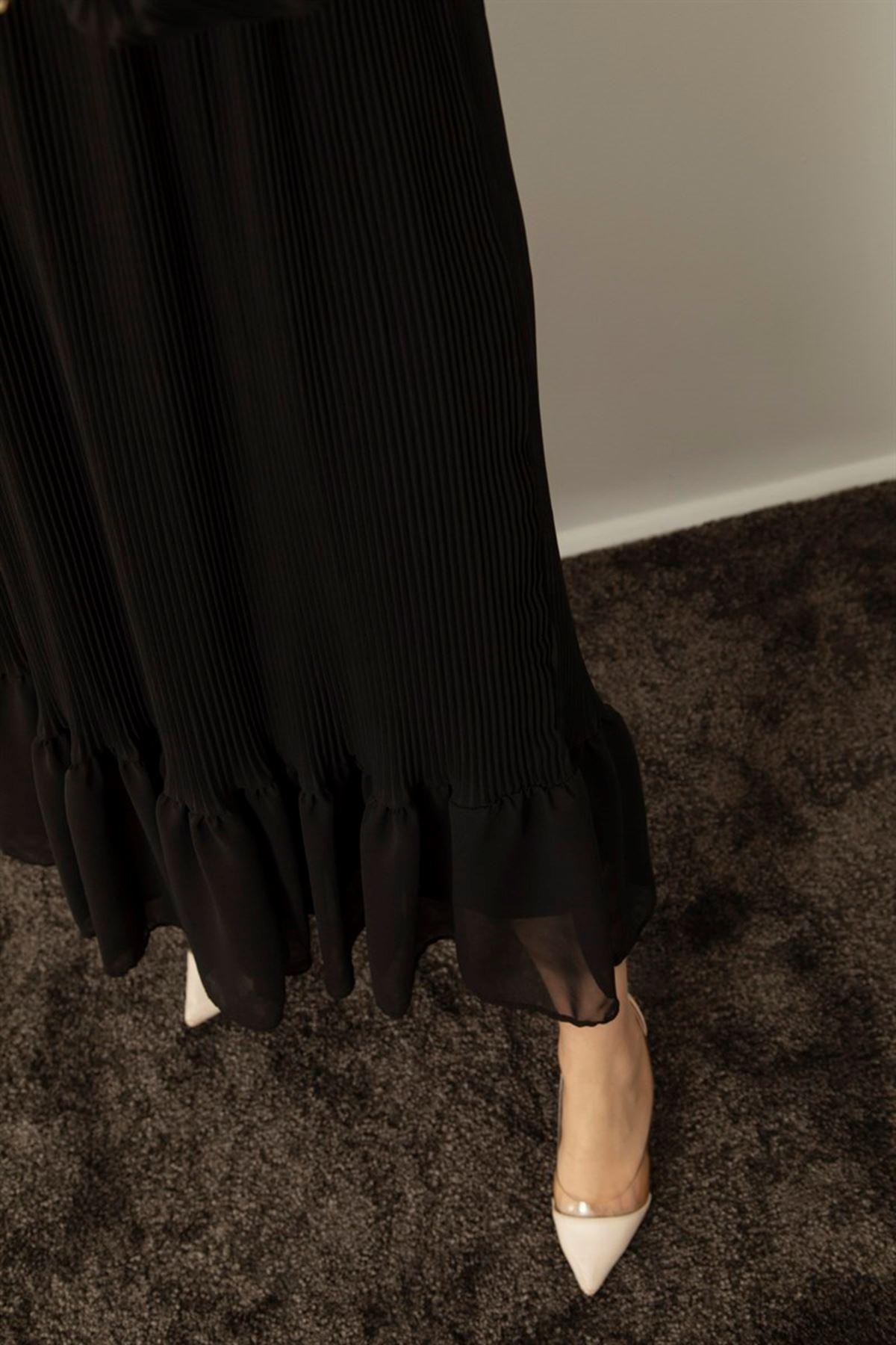 Kol ve Eteği Pileli Elbise - Siyah