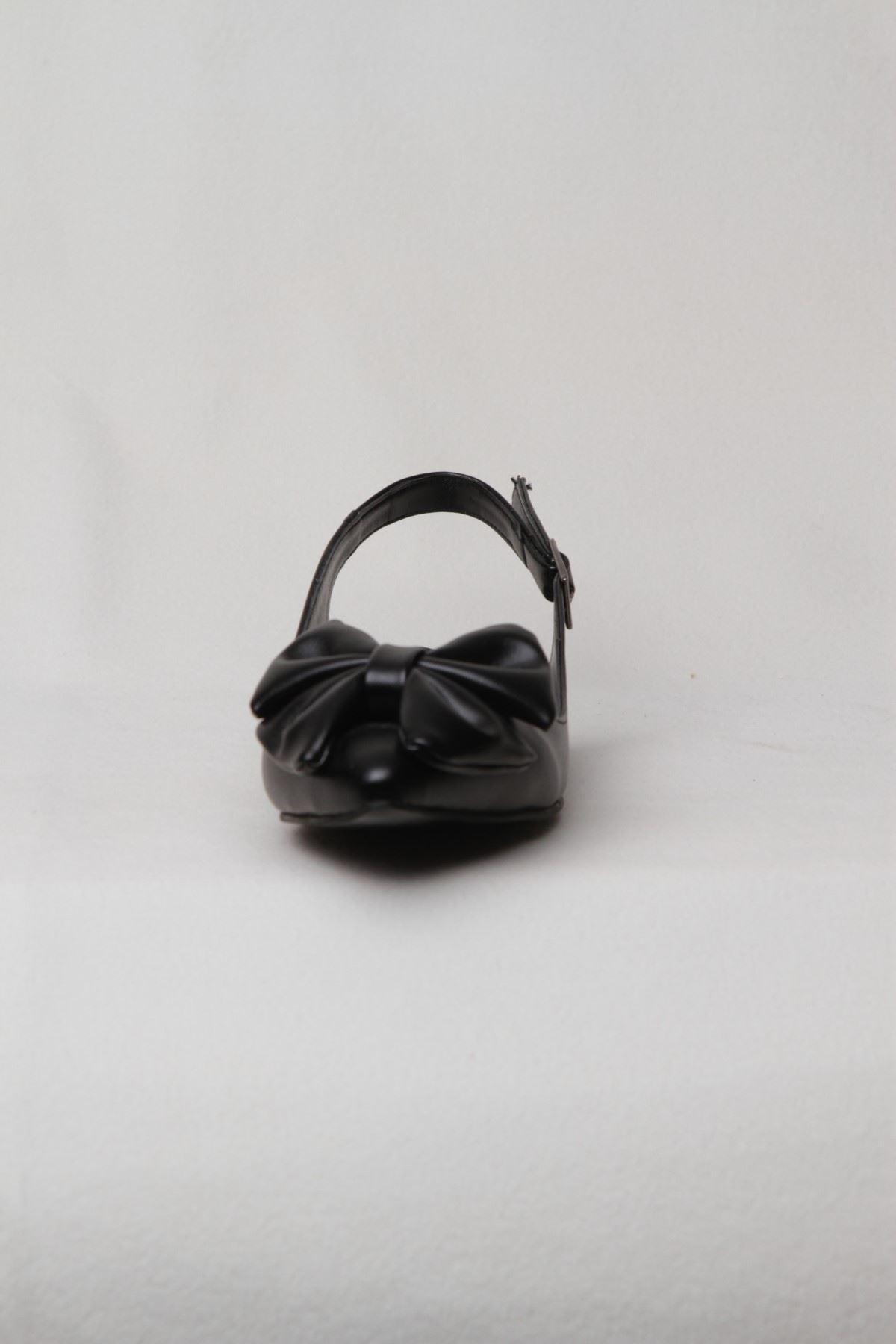 Kadın Kemerli Fiyonk Detaylı Babet - Siyah
