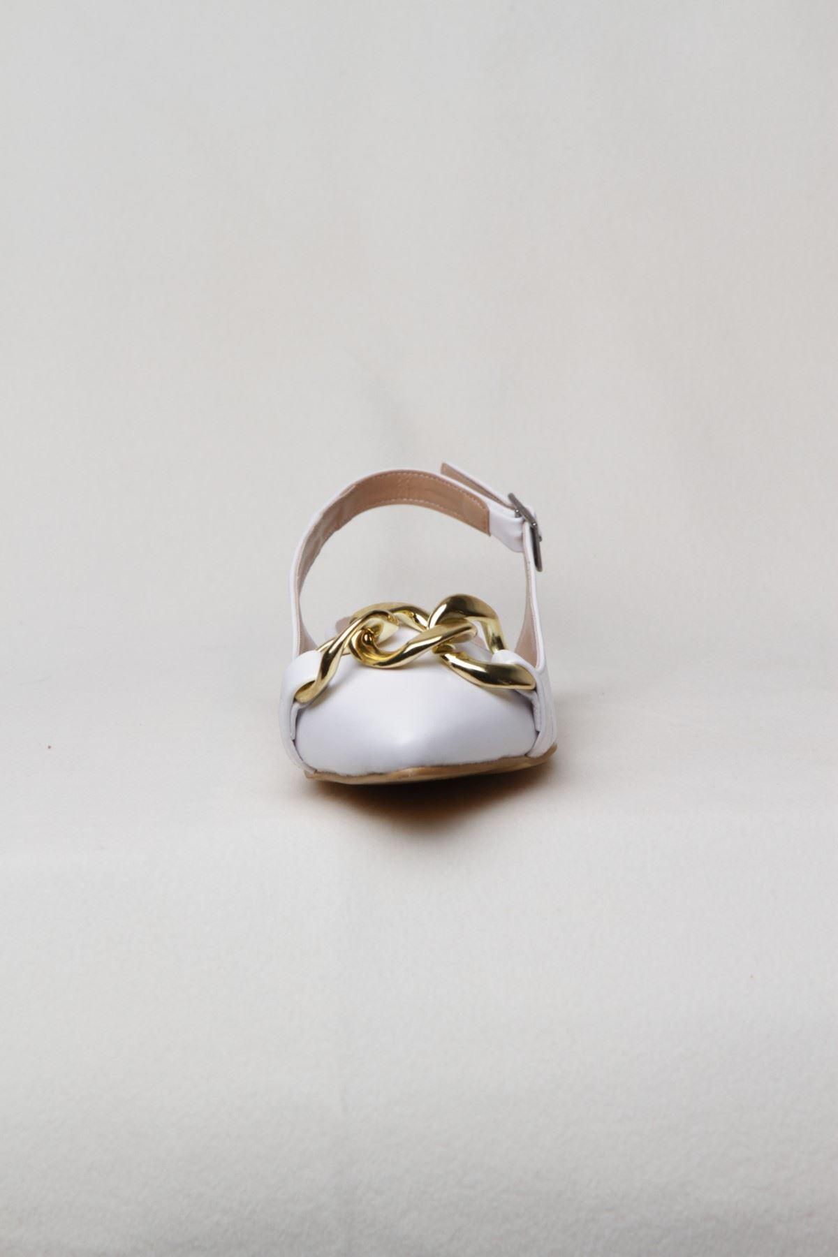 Kadın Kemerli Zincir Detaylı Babet - Beyaz