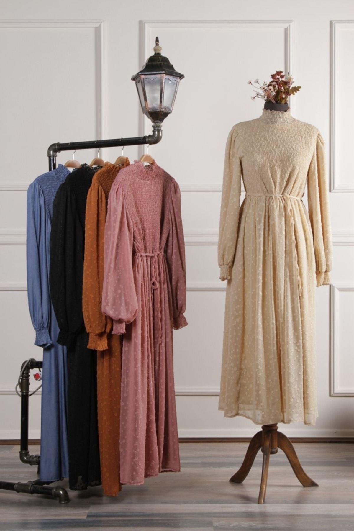 Kadın Kol Büzgülü İşleme Elbise - Bej