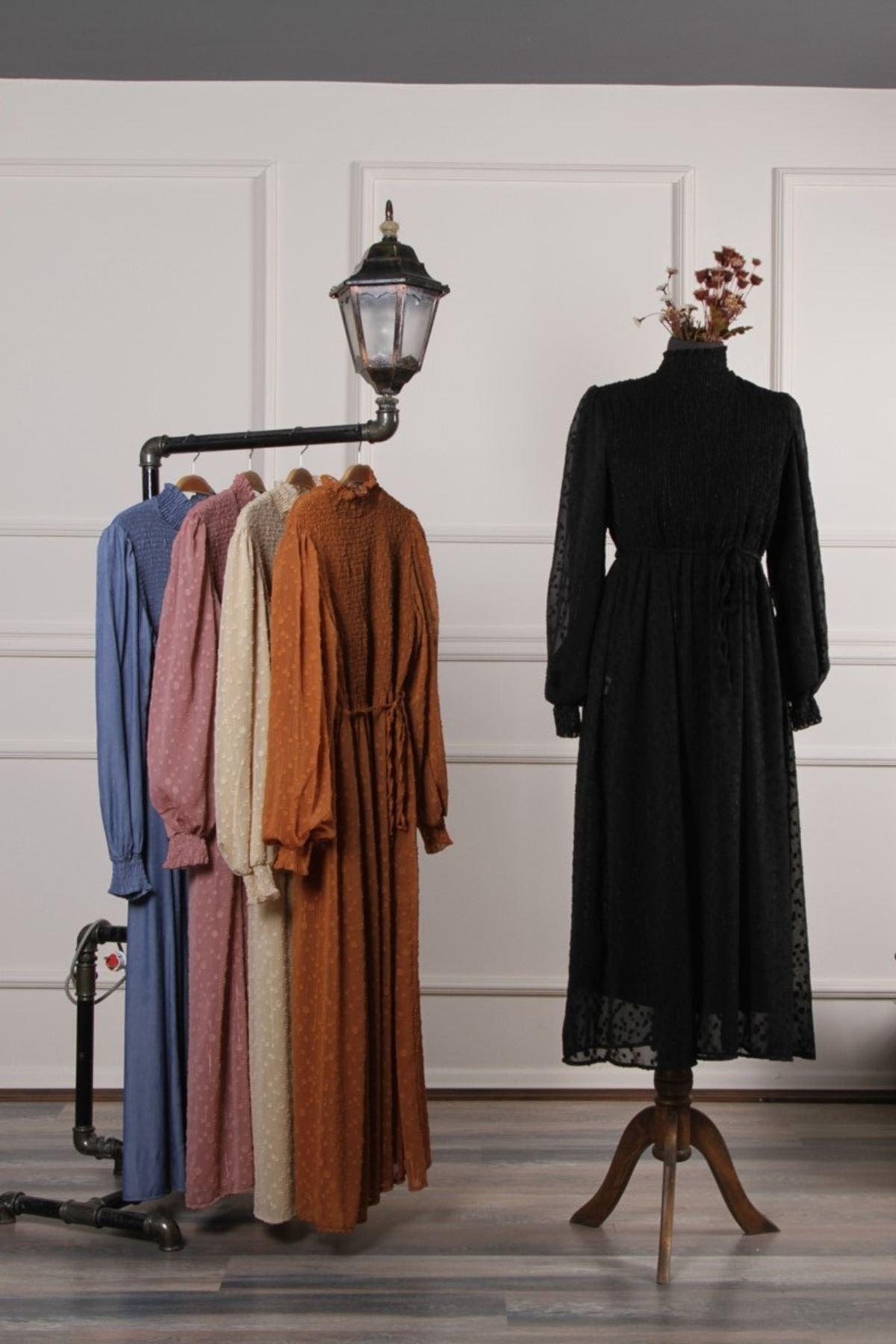 Kadın Kol Büzgülü İşleme Elbise - Siyah